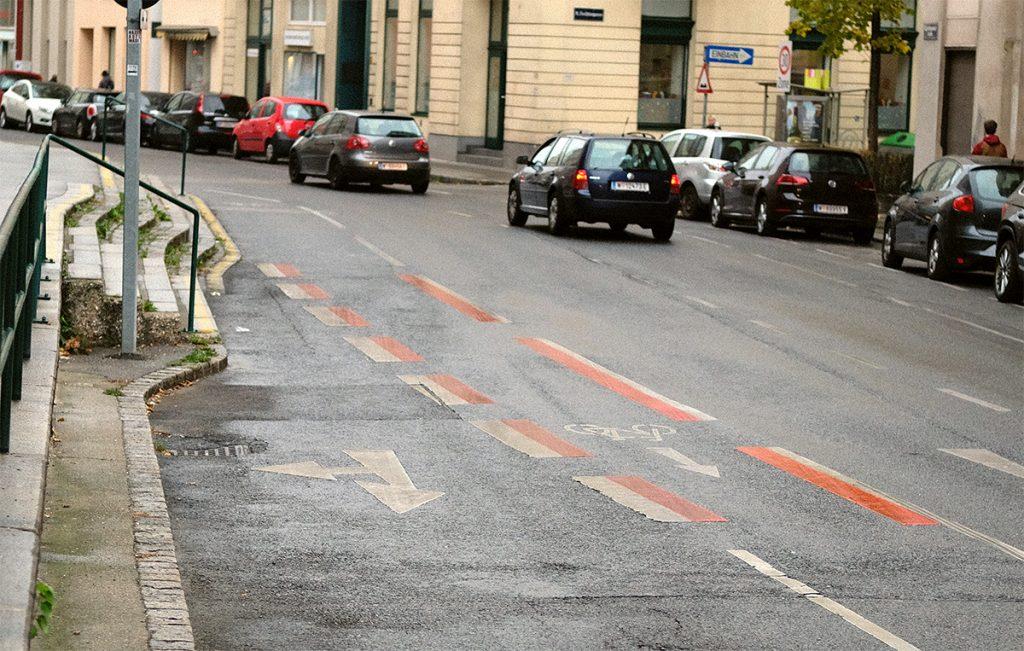 liechtensteinstraße-markierung